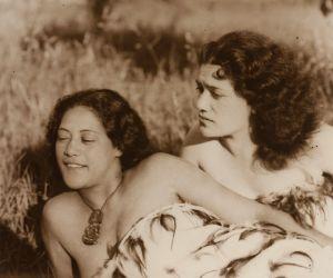 young maori women